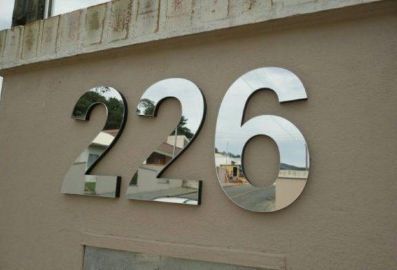 Instalação de Placa de Numeração Residencial ou Comercial