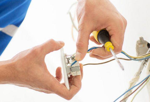 Troca e Instalação de Tomada Elétrica
